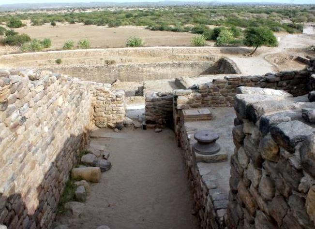 Dholavira Entrance.JPG