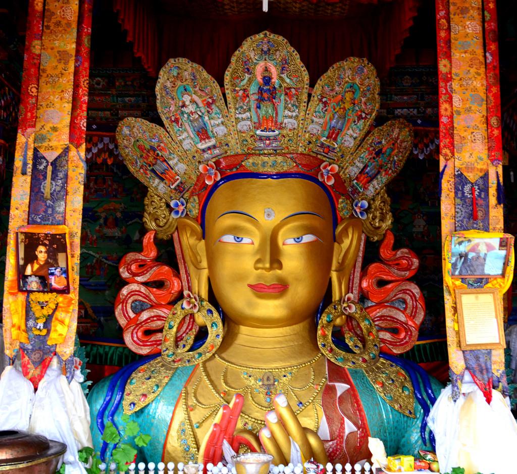 Matriya buddha