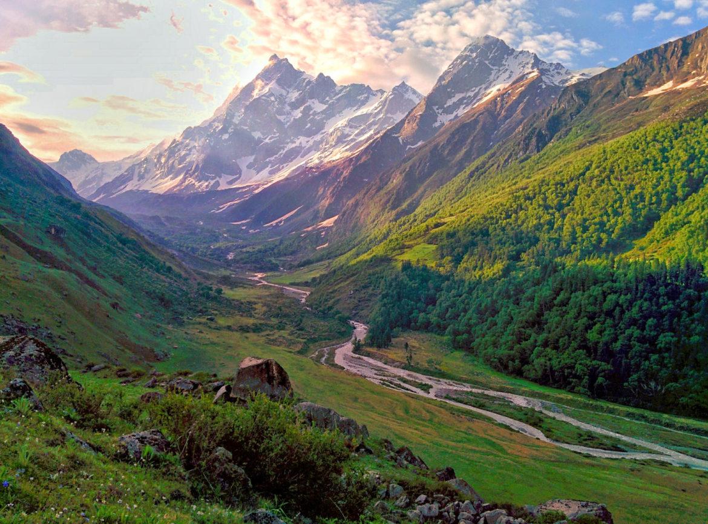Top 6 Easy Treks in Uttarakhand | India | Travel And Trekking