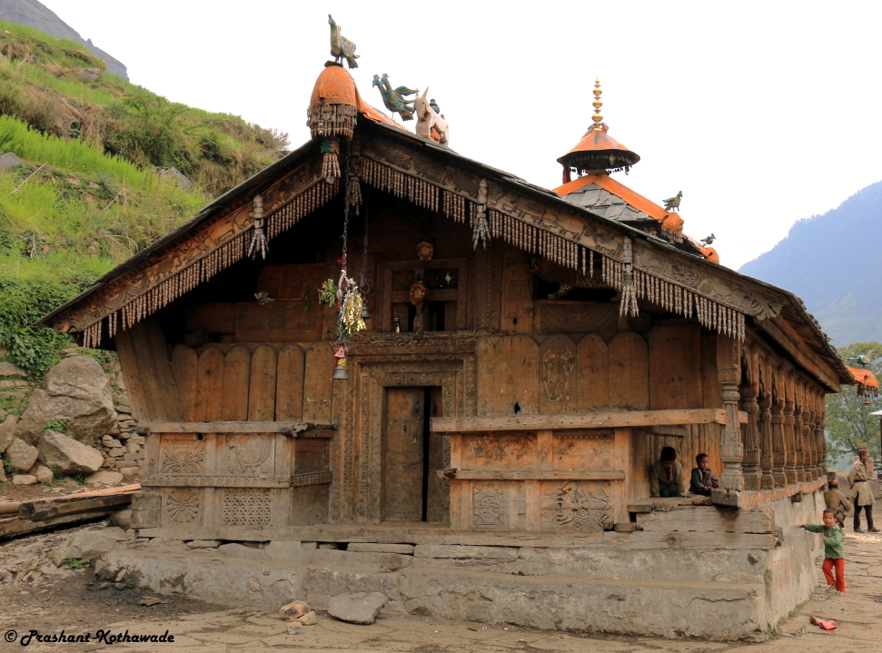 someshwar temple at Osla.JPG