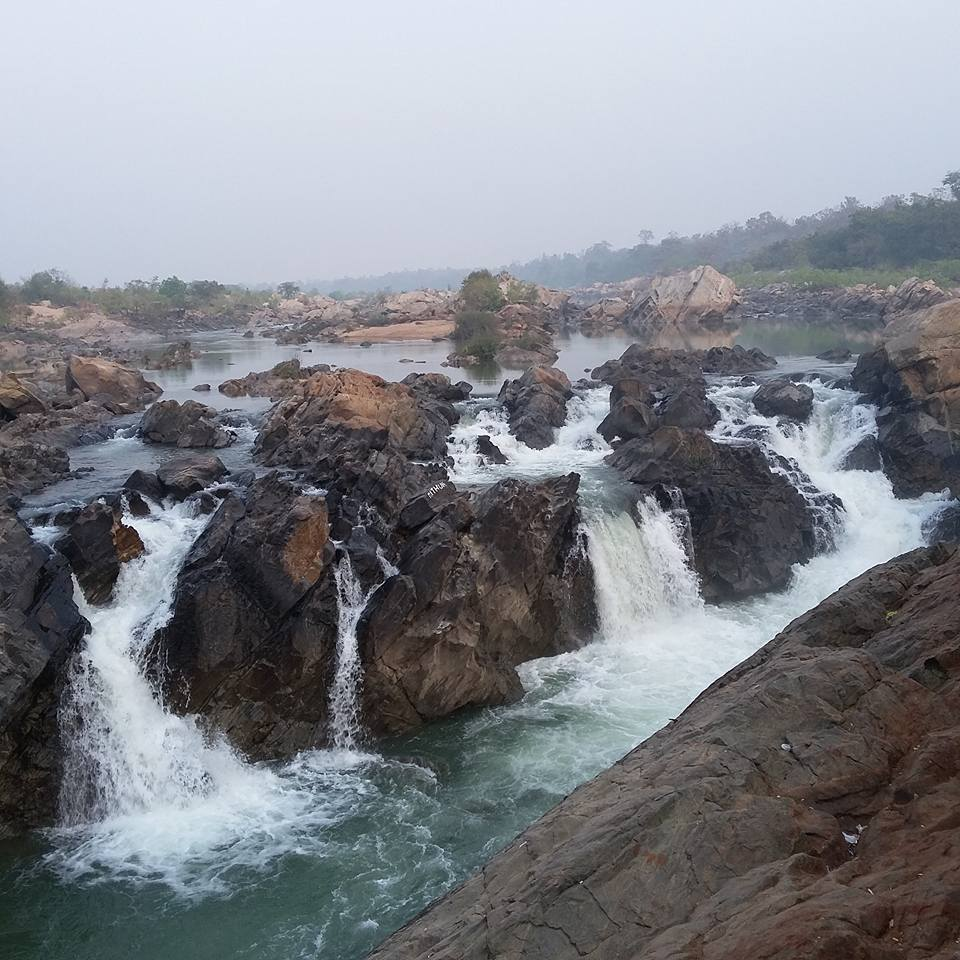 Bhimkund-waterfalls-pics.jpg